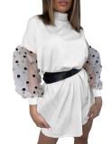 Weißes kurzes loses Kleid mit Mesh-Ärmeln