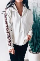 Sweat-shirt blanc à col montant et poche avant