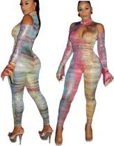 Tuta aderente colorata con paillettes tagliata sexy
