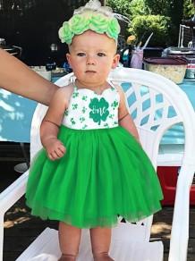 Vestido de tirantes de verano verde con estampado de niña