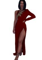 Vestido de noche de lentejuelas con abertura y manga sencilla