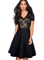 Vintage zwarte kanten jurk met v-hals