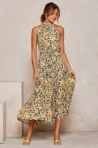 Elegantes langes Kleid mit U-Ausschnitt