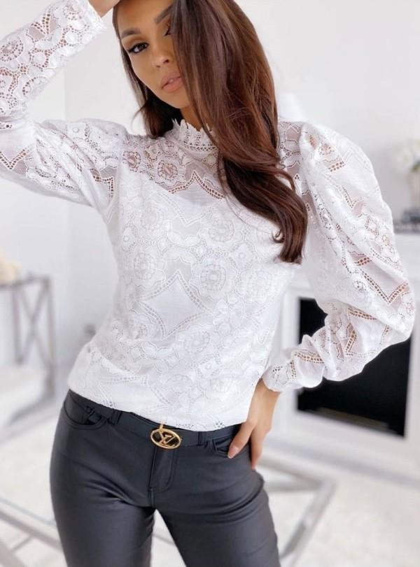 Top básico de renda floral branco com mangas pop
