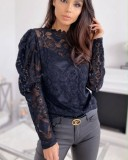 Top basic in pizzo floreale nero con maniche a pop