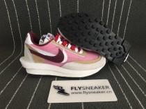 W Nike Ldwaffle/ Sacai sneakers