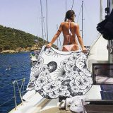 Black and White Seabed Colored Woven Round Towel 384952