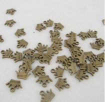 200285王冠 金古美 アクセサリーパーツ 10.6x13.3mm 200個 金古美デコ