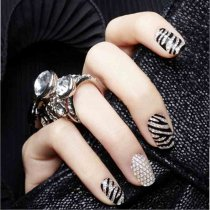BWG13-24 16Tips/Pc  Three-dimensional 3D Diamond Nail Stickers