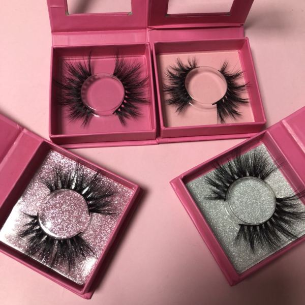 Pink Square boxes Queen/MInk eyelash