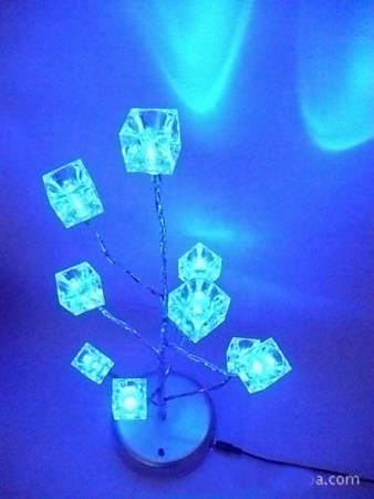 S00749 Novelty Blue Luminous Ice Cube Pendant LED Tree Lights Nightlight Home Decorate Lamps with USB Cable