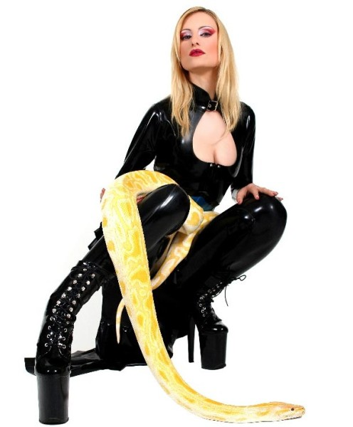 LKH1052 leather catsuit