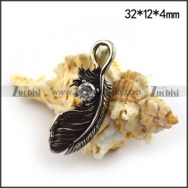 Small Feather Charm with Crystal p003658