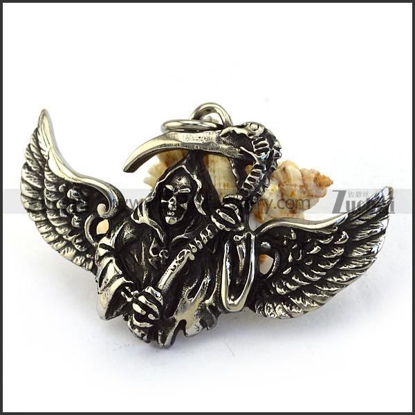 punk skull pendant