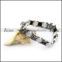 White Cremic Bracelet with Steel Skulls b005606