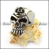13 Skull Ring r003759