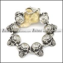 8 big skull head stainless steel bracelet b001596