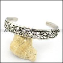 engraved flower bangle b002535