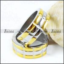 Cutting Earring in Gold Finishing - e000021