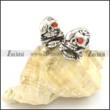 skull stud earrings with 1 red stone eye e000776