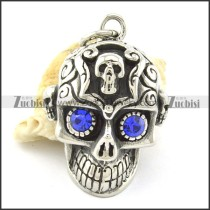 blue eye casting skull pendant with little skull head p001365