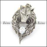 wolf pendnat with clear zircon stone p001531
