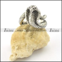 small poisonous snake ring r001572