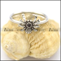 small spider ring with black stone r002071
