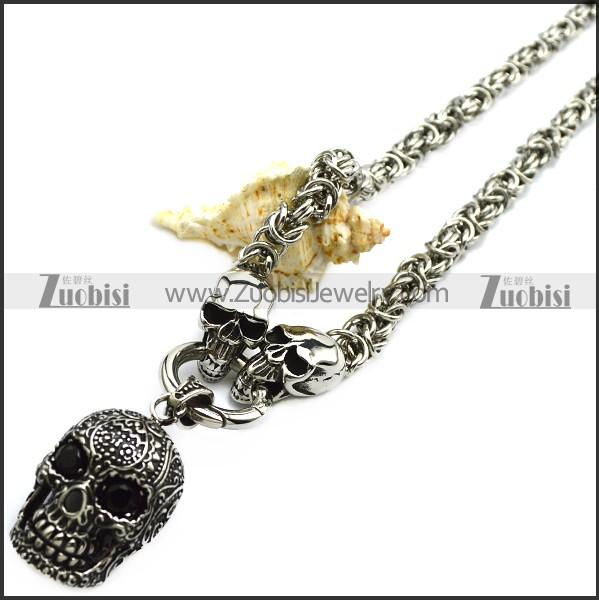 Flower Skull Chiain Necklace
