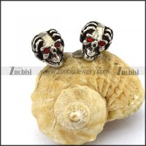 Skull Earring with 2 Ruby Rhinestons Eyes e001172