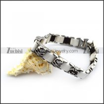 White Cremic Bracelet with Steel Skulls b005606
