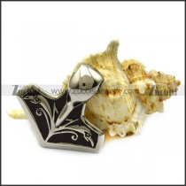 stainless steel axe pendant with raven pattern p007532