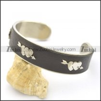3 Heart and Arrows Leather Bangle b002993