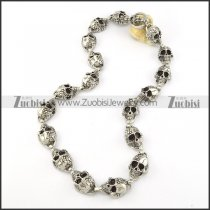 18 Ugly Skull Heads Stainless Steel Necklace in length of 24 inch -n000203