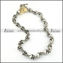 22 Solid Skull Stainless Steel Necklace for Men -n000198