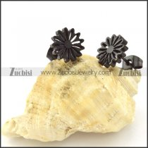 Unique Black Cutting Flower Earring in Stainless Steel -e000620