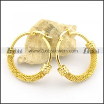 32mm diameter gold clip on earring e000872