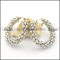 8mm wide popcorn shaped earring e000921