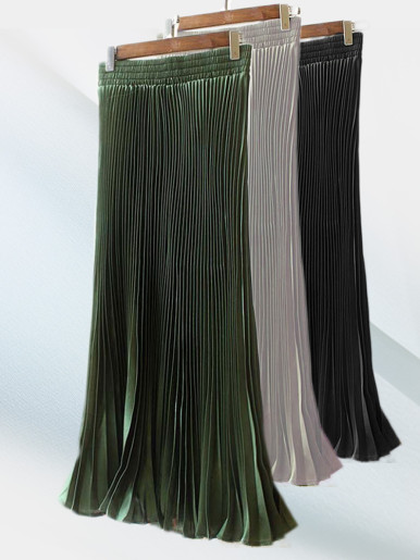 Pleated Skirt with Fishtail Hem