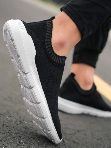 Men Sneakers 2019 Autumn Breathable Lightweight Mesh Knit Sock Shoes Slip On Flat Casual Walking Trainers