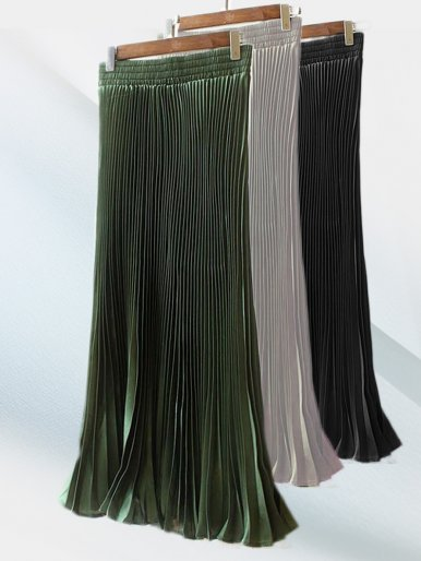 Pleated Skirt with Fishtail Hem