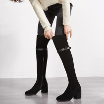 The genuine product guarantees the black leather metal button decoration to increase the long style and knee boots