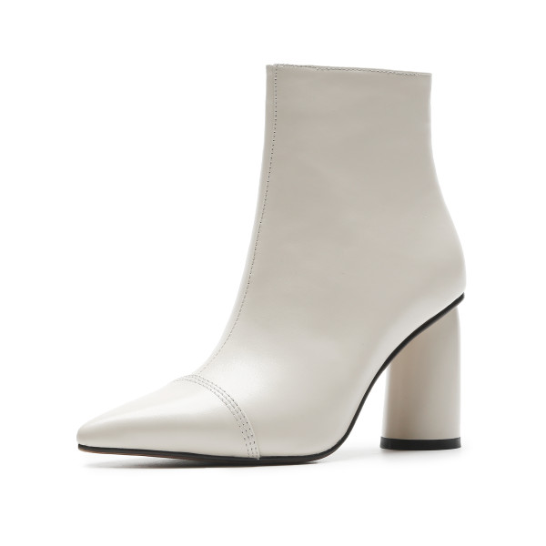 Autumn/winter 2018 women's shoes hot style pure color simple leather pointed thick with short style women's boots