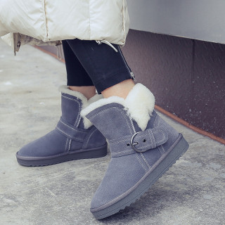 2018 fashionable women's shoes temperament: short boots with round head metal button and thickening warm women's shoes snowfield boots