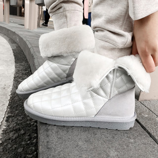 Fashion lamb hair add wool upset women's shoes in winter 2019 round toe pearl white slip-on women's boots snow boots
