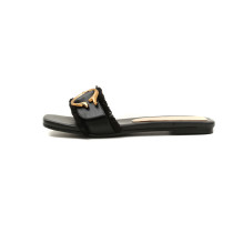 Summer 2019 fashion trend women's shoes flat slippers classics sweet metal decoration white black mature ladylike temperament