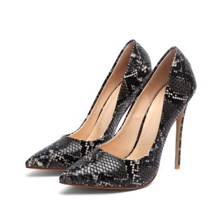 Comfortable serpentine style with pointed, slender and 12cm heels