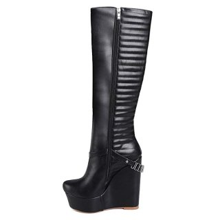Winter 2018 pure color women's shoes European and American leather fashionable metal buckles round head to heighten waterproof platform women's boots