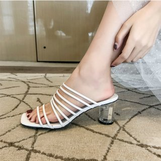 Arden Furtado summer 2019 fashion trend women's shoes open toe crystal and thick and open-toed square head slippers