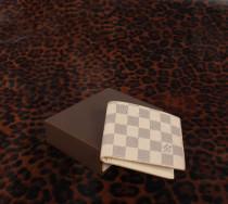 ルイヴィトン LOUIS VUITTON ダミエ・アズー 二つ折財布 ホワイト N60930-1